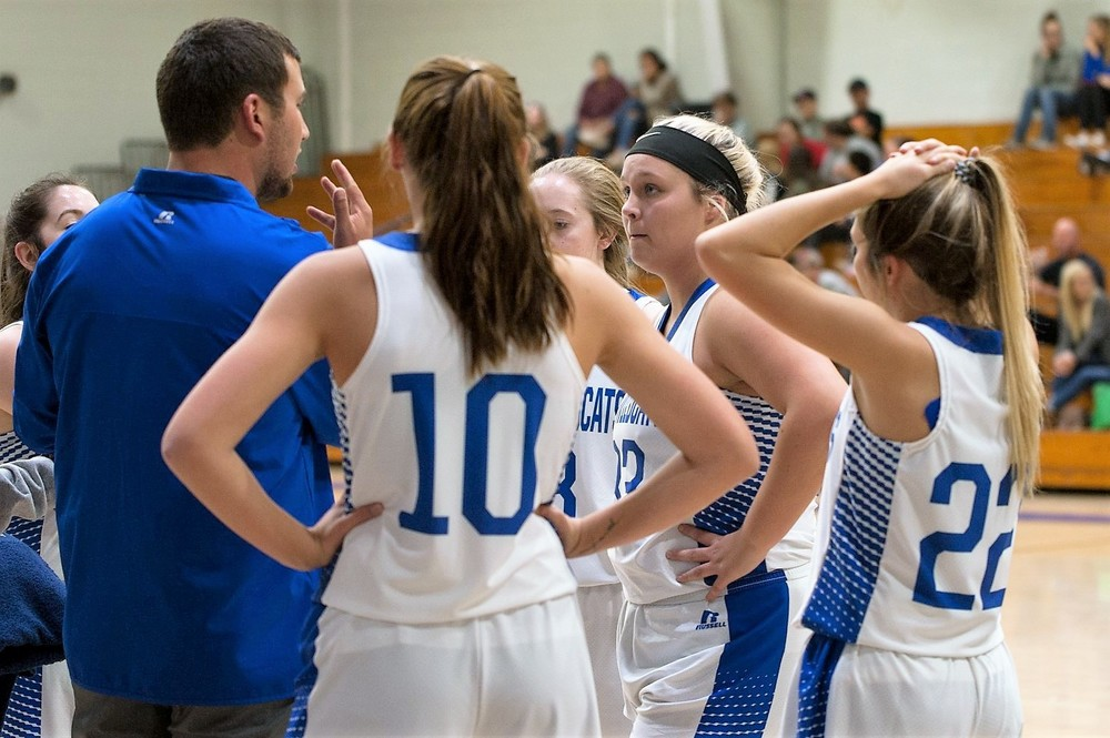 Hector battles back to beat Lady Rebels